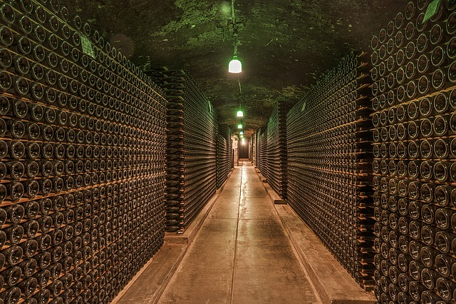ultimate-guide-to-white-and-red-wine-storage-temperature-image-002